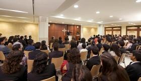 La cappella della nuova Organizzazione di Scientology per il Messico offre ai parrocchiani e agli ospiti funzioni domenicalo, matrimoni, battesimi e altri raduni della congregazione.