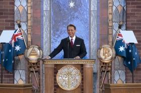 Il signor David Miscavige, Presidente del Consiglio di Amministrazione del Religious Technology Center e leader ecclesiastico della religione di Scientology, ha presieduto all'inaugurazione della nuova Chiesa di Scientology di Melbourne.